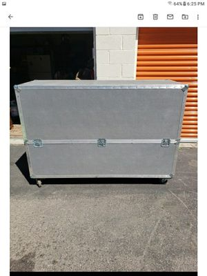 Like New - Portable Trunk for Sale in Denver, CO