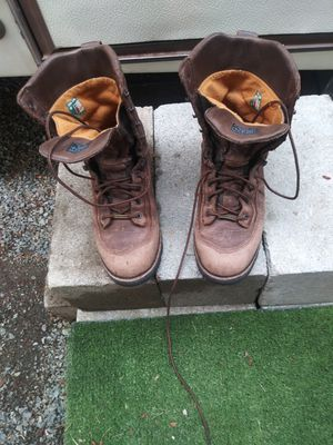 Danner work boots 9.5 insulated for Sale in Marysville, WA