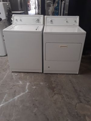 washer and dryer gas Kenmore good condition 90 days warranty labadora y secadora gas Kenmore buenas condiciones 90 dias de garantia for Sale in San Leandro, CA