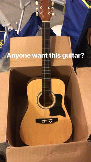 Vintage guitar. Needs 1-2 strings for Sale in Ashburn, VA
