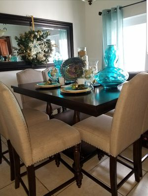 McGregor Countertop Dining Set (7pcs) for Sale in Biscayne Park, FL