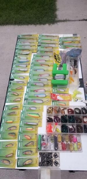 50+ new fifhing spoons & more for Sale in Kissimmee, FL