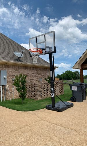 Spalding Driveway Basketball Hoop for Sale in Tyler, TX