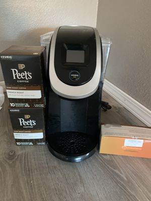 Keurig 2.0 coffee maker and coffee for Sale in Tacoma, WA