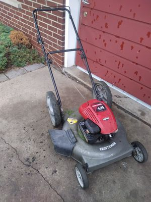 "Craftsman 22"" cut, side discharge, push lawn mower for Sale in Warren, MI"