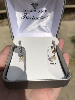 10kt Gold Diamond Earrings for Sale in Bakersfield, CA