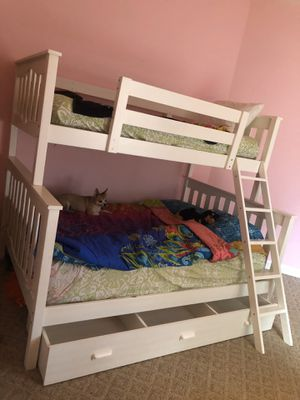 White, Single Over Double Bunk Bed for Sale in Boynton Beach, FL