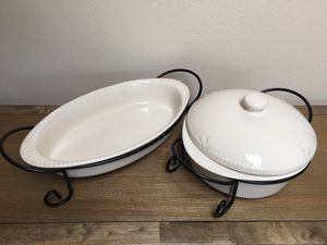 "Signature ""Sorrento"" Stoneware ~ 16"" Oval Baker, 10"" Covered Casserole Baker, 2 Wire Serving Racks Ivory for Sale in Phoenix, AZ"