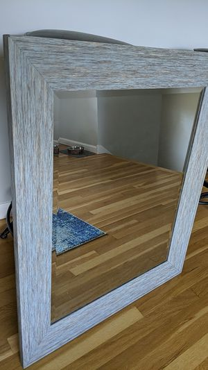 Framed wall Mirror 3 feet by 2.5 feet Like New for Sale in Morton Grove, IL