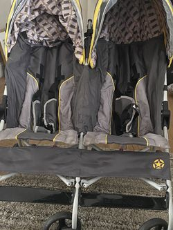Jeep Double Stroller for Sale in Port Charlotte,  FL