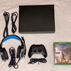 X Box One X Bundle for Sale in Chandler, AZ