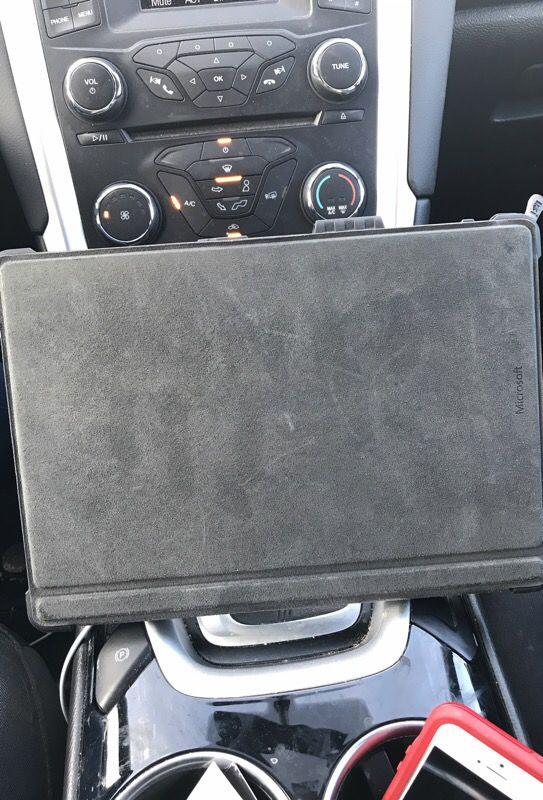 Surface pro 3 128 gigs i3