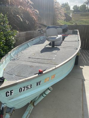 16' aluminum boat bass boat skiff for Sale in Chula Vista, CA