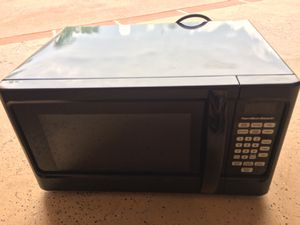 Microwave good condition 1000W for Sale in Boynton Beach, FL