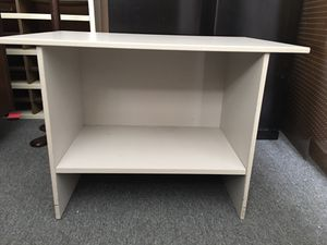 Small table/nightstand with shelf for Sale in Mount Prospect, IL