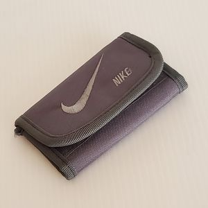 """Nike canvas trifold velcro wallet. Pre-owned, very good shape. Size 5x3.125"""". for Sale in San Jose, CA"""