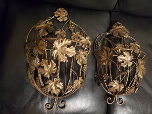 BEAUTIFUL METAL GOLDEN WALL DECORATION/ PLANT HOLDER for Sale in Baltimore, MD