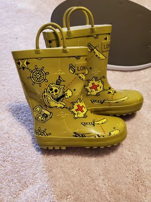 Raining boots for Sale in Centreville, VA