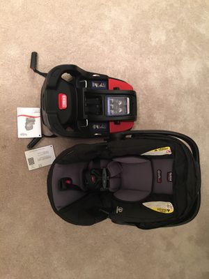 Britax b safe 35 car seat for Sale in Hinsdale, IL