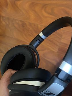 Sennheiser HD 4.50BTNC BLUETOOTH WIRELESS HEADPHONES for Sale in Norwalk,  CA