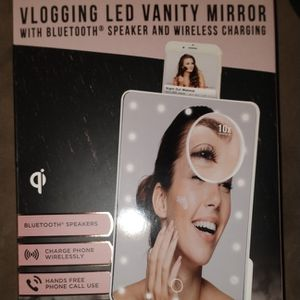 LED Vanity Mirror W/ Bluetooth Speaker&Wireless Charging for Sale in New Orleans, LA