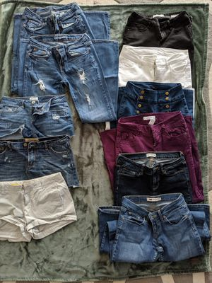 Women's/juniors' pants (8 pairs) and shorts (3 pairs) lot! for Sale in Washougal, WA