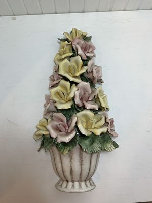 Vintage Italian capodimonte flowers in basket for Sale in Novelty, OH