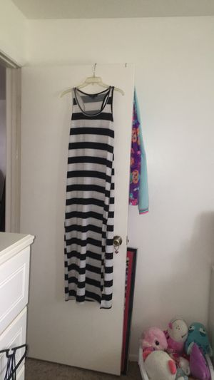 Black & white maxi dress for Sale in Sebring, FL