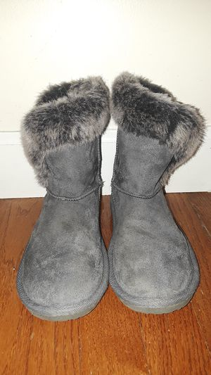 Girls Children's Place Size 2 Winter Boots for Sale in Woodbridge, VA