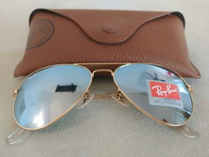 Brand New Authentic RayBan Aviator Sunglasses for Sale in Los Angeles, CA