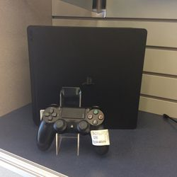 Sony PS4 1TB for Sale in Houston, TX