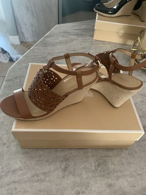Michael Kors shoes size 8 look new for Sale in Cape Coral, FL