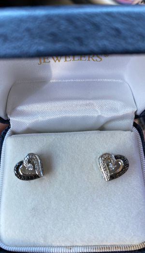 Black and white diamond heart earrings sterling silver! for Sale in Cleveland, OH