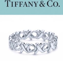 """Tiffany & Co ~ Paloma Picasso """"Love & Kisses"""" Collection ~ xo Ring ~ Silver for Sale in Hanover,  MD"""