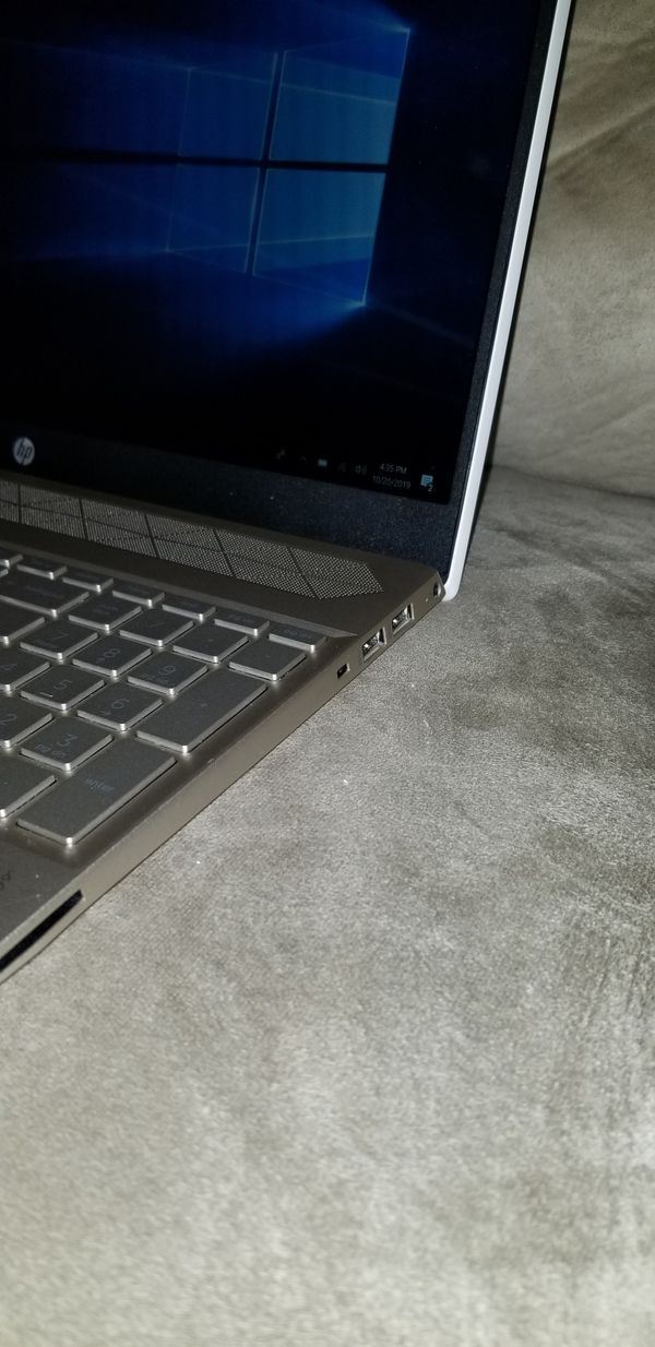 Touchscreen HP Laptop I5-8250U, 1TB, 8GB W/Programs