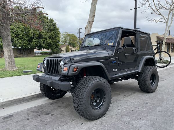 1998 JEEP WRANGLER 4.0 5 SPEED LIFTED 33'S
