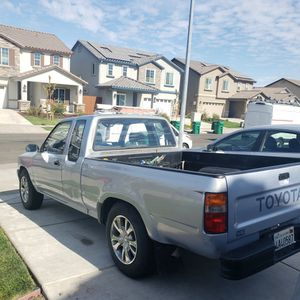 1990 Toyota Pick-Up for Sale in Stockton, CA