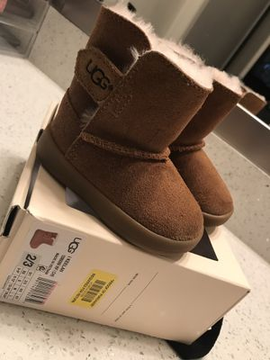 Baby girl UGG boots for Sale in Fort Worth, TX