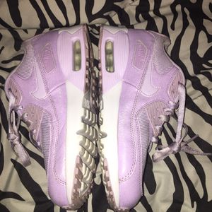 Purple And White Huaraches for Sale in Des Moines, IA