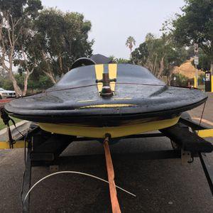 Speed boat mini 20hp Mercury for Sale in Los Angeles, CA