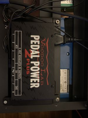 Voodoo Lab pedal power 2 Plus In excellent condition for Sale in Los Angeles, CA