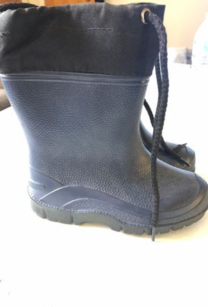 Rain boots size 9 for Sale in Montebello, CA