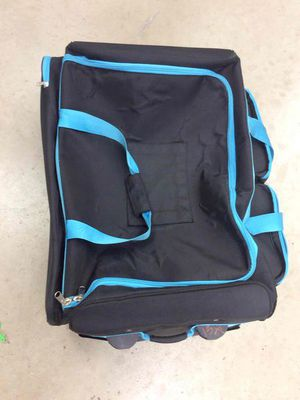 Large Suitcase ( blue handles) for Sale in Miami Gardens, FL