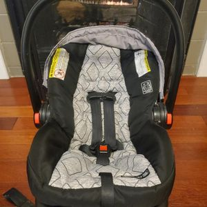 Graco Snugride 30LX Infant Carseat With Base for Sale in Carrollton, GA