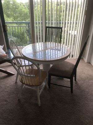 Kitchen table and 4 chairs for Sale in Charlotte, NC