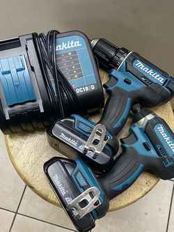Makita Xfd10/XDT11 Impact And Drill Combo w/ 2 Batts & Charger In Bag for Sale in Tampa,  FL