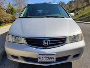 BEAUTIFUL 2003 HONDA ODYSSEY EX-L! CLEAN TITLE! 116K LOW MILES! CARFAX AVAILABLE for Sale in San Bernardino, CA