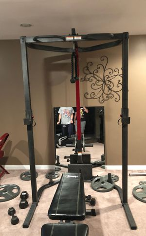 Full basement gym set, free weights and bar weights up to 45 pounds. for Sale in NJ, US