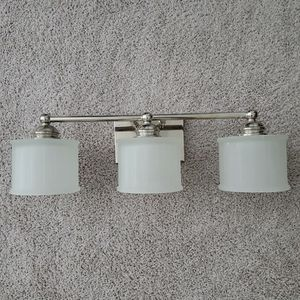 Vanity light fixture for Sale in Chesapeake, VA
