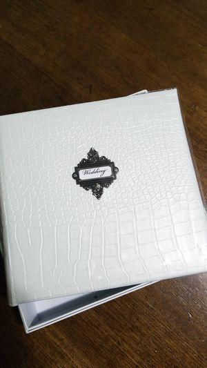 Medium sized wedding photo album for Sale in Sioux Falls, SD